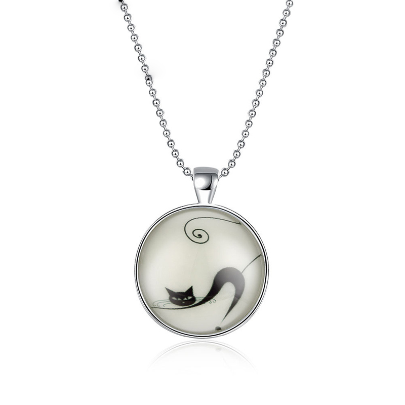 Silver Plated Glass Round Pendant Glow In The Dark Luminous Cute Cat Necklaces Jewelry YGN093
